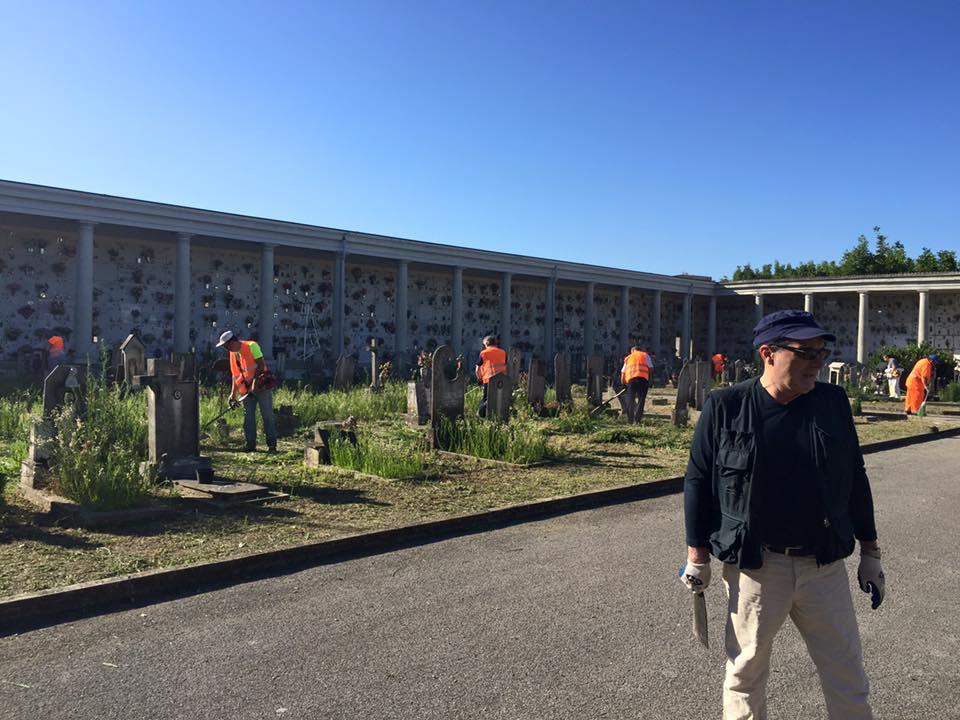 Ripristino aiuole cimitero